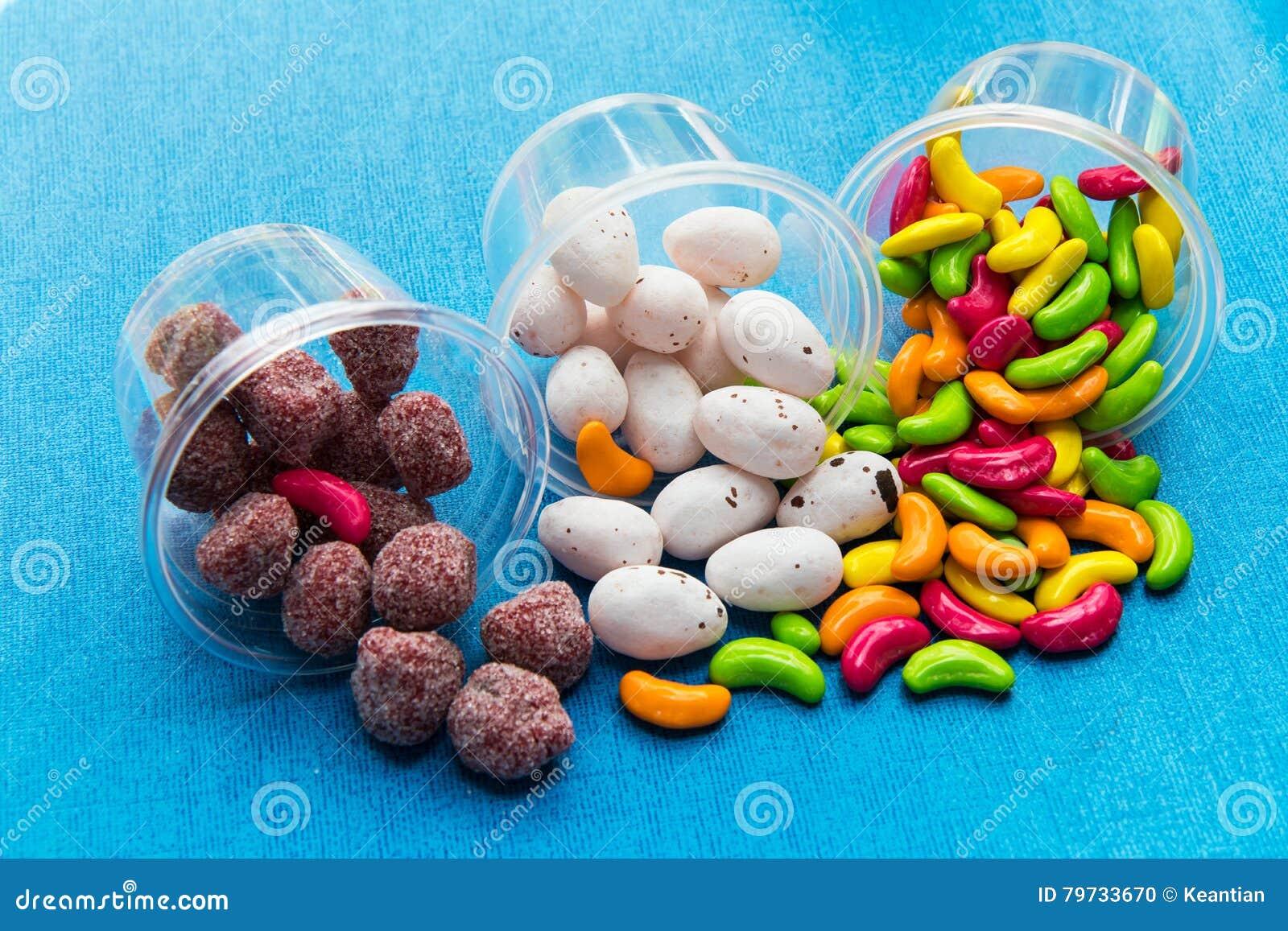 Huevos de caramelo coloridos