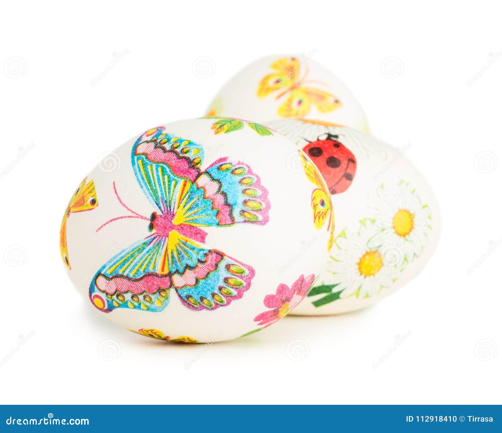 Huevos de Pascua con la decoración de la primavera