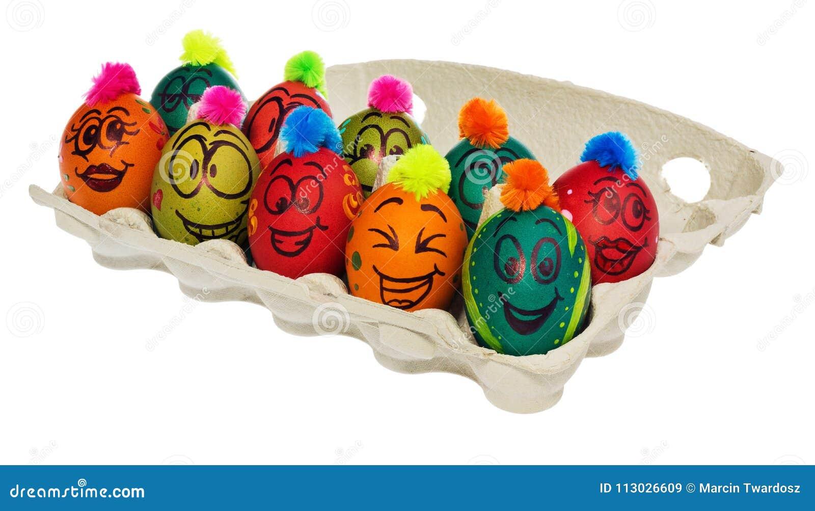 Huevos de Pascua, pintados a mano con la sonrisa y el fac aterrorizado de la historieta