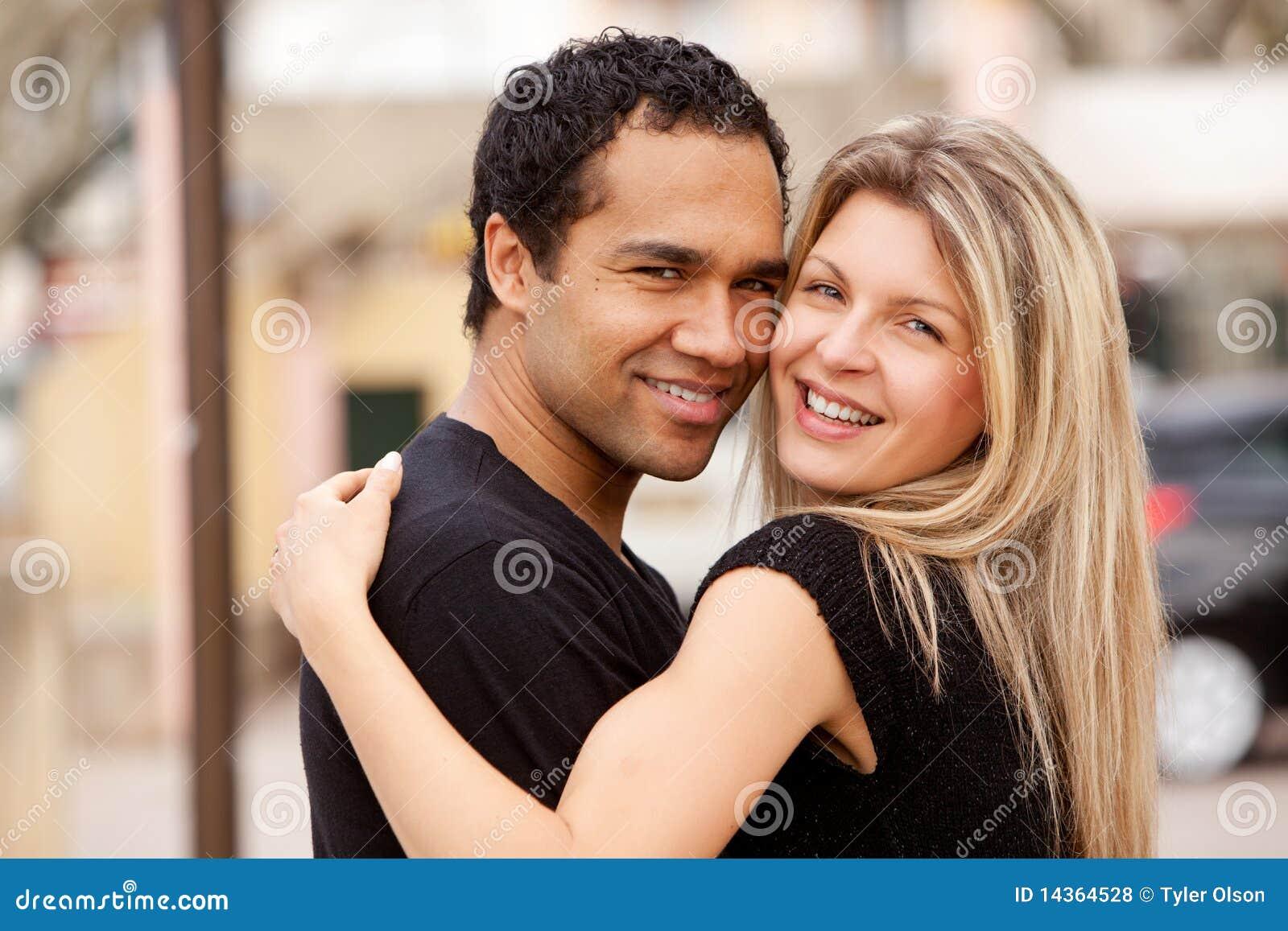 https://thumbs.dreamstime.com/z/hug-happy-couple-14364528.jpg