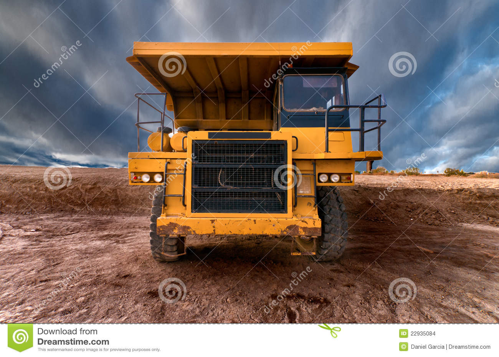 large mining dump trucks - Huge uto-dump Yellow Mining ruck Stock Images - Image: 22935084