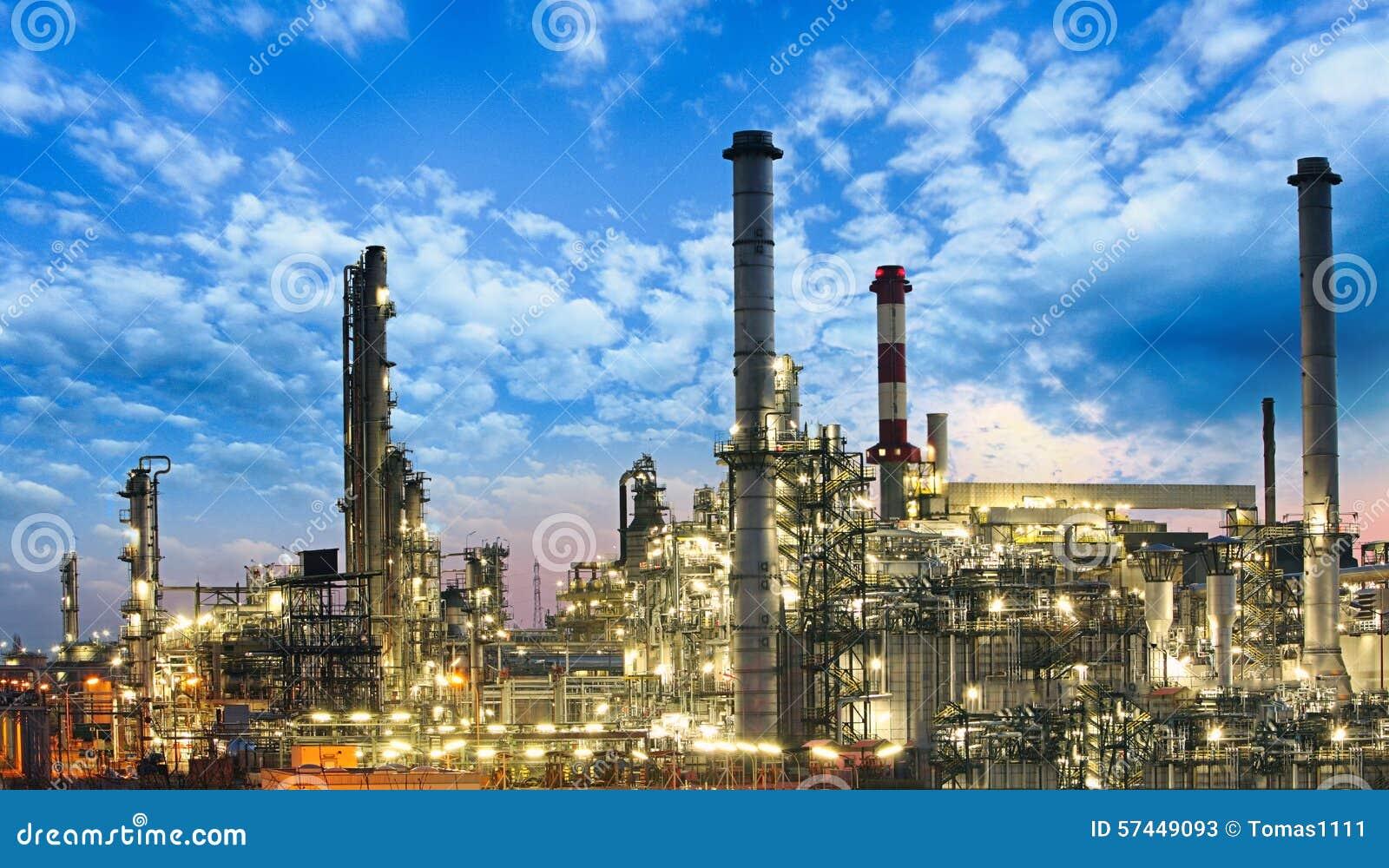 Huile et industrie du gaz - raffinerie, usine, centrale pétrochimique