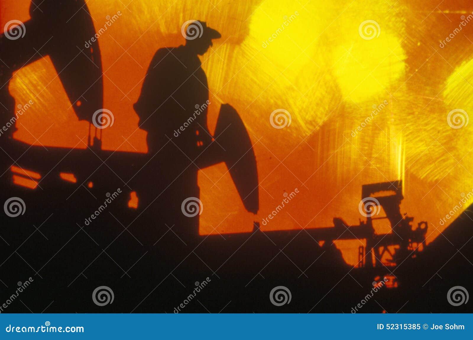 Huilez le travailleur à Torrance dans le comté de Delamo, CA