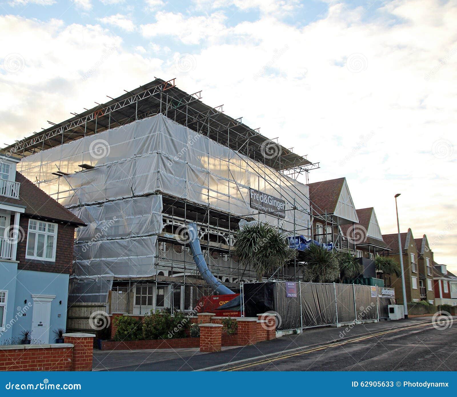 Huis in aanbouw redactionele stock foto afbeelding bestaande uit reparatie 62905633 - Foto huis in l ...
