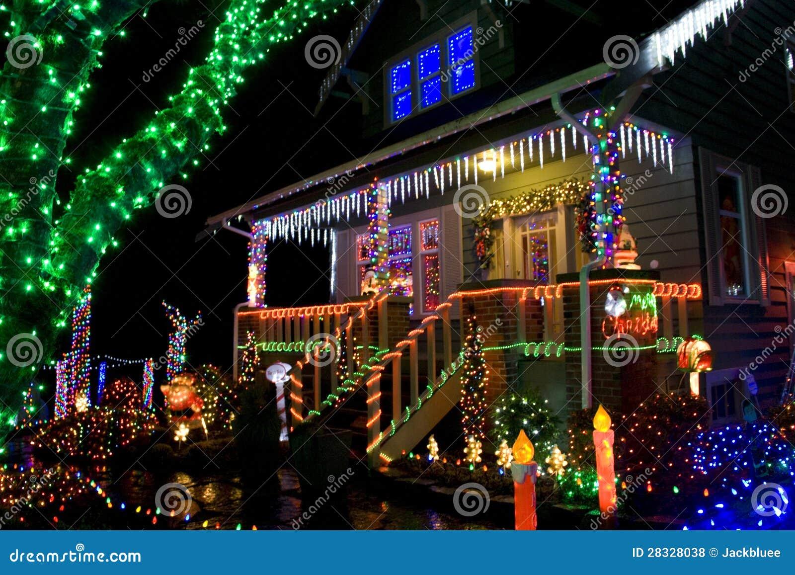Huis met de lichten van Kerstmis