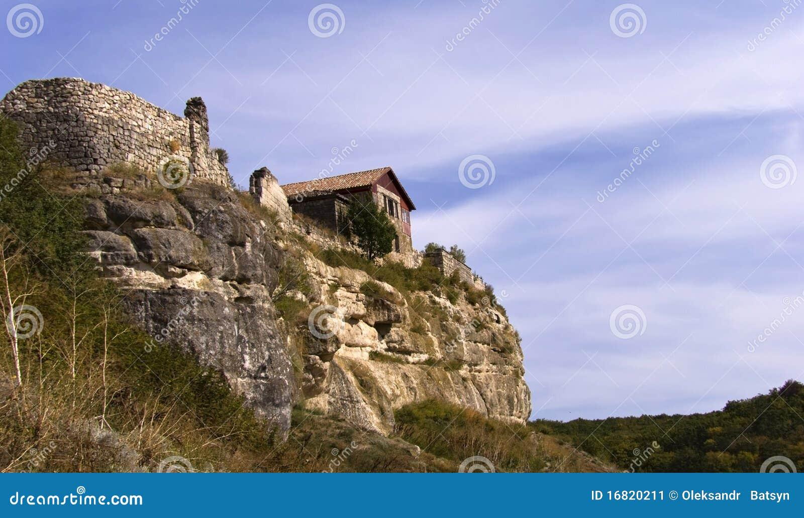huis op een rots stock afbeelding afbeelding bestaande uit kust 16820211. Black Bedroom Furniture Sets. Home Design Ideas