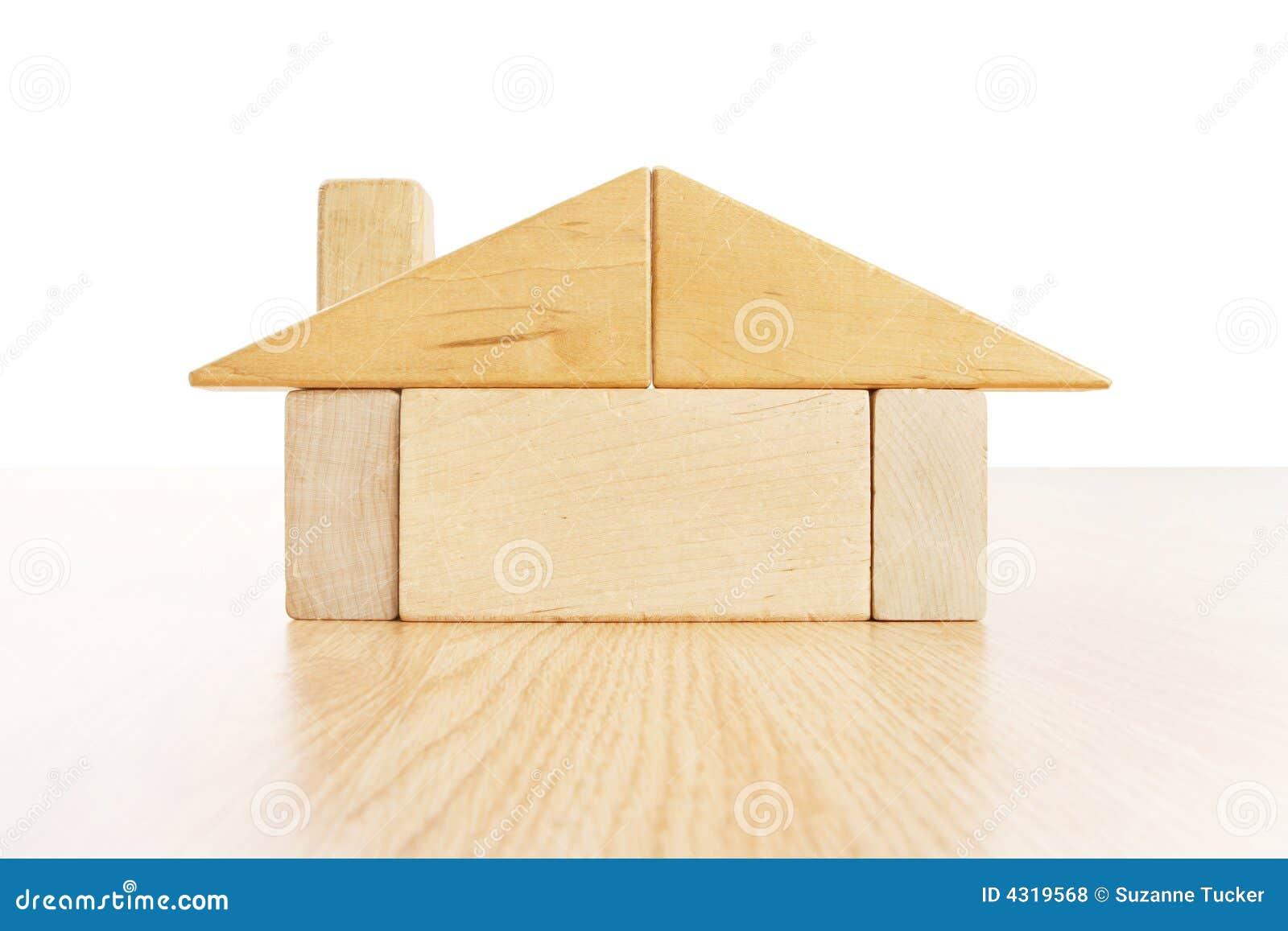 Huis van blokken stock foto afbeelding bestaande uit ontwerp 4319568 - Eigentijds rechthoek huis ...