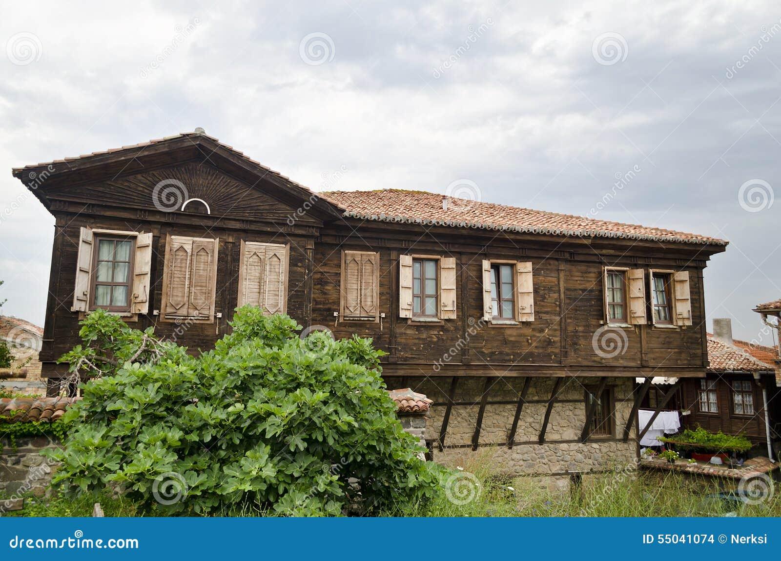 Huis van de oude stad van sozopol stock foto afbeelding 55041074 for Deco oude huis
