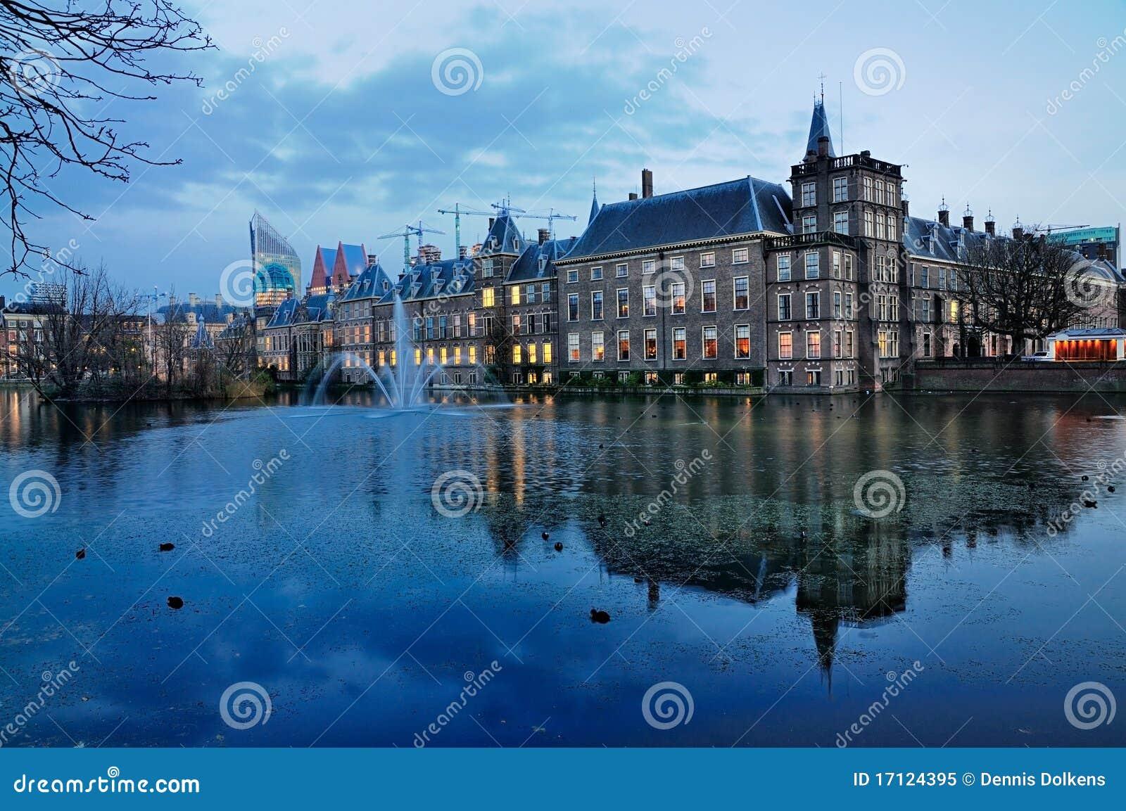 Huis van het parlement den haag stock afbeelding afbeelding 17124395 - Huis van het wereldkantoor newport ...