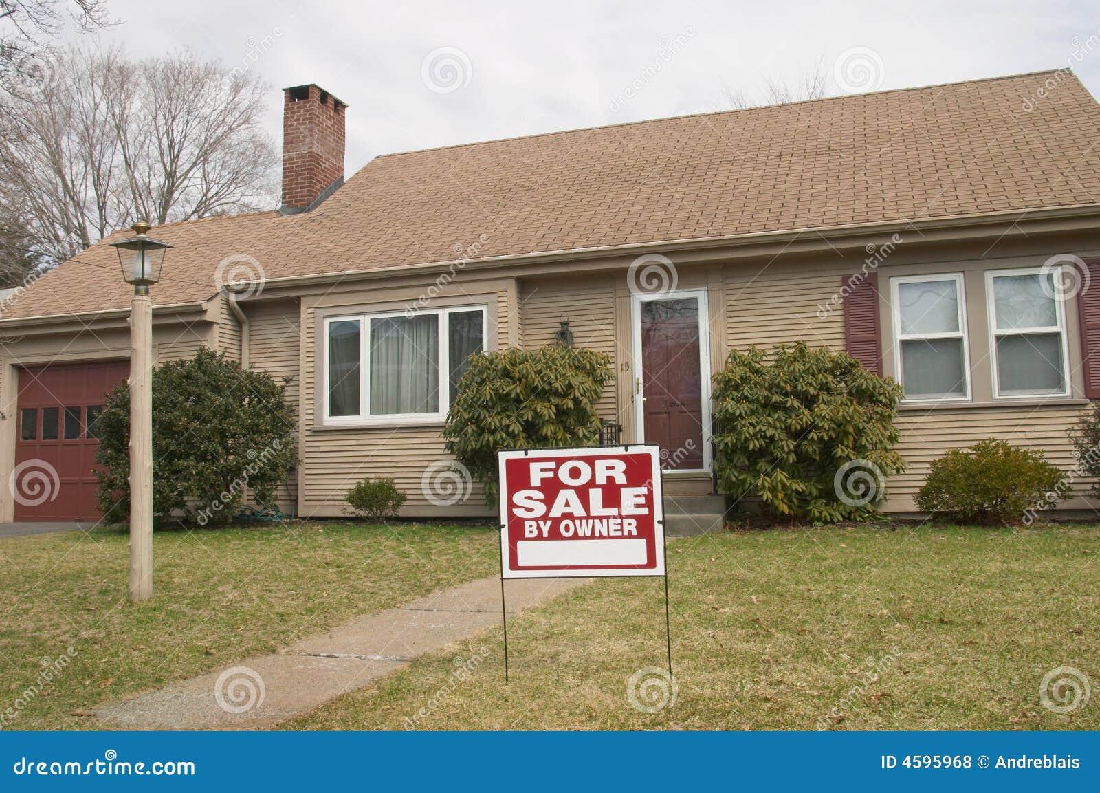 Huis voor verkoop door eigenaar stock foto afbeelding for Huis aantrekkelijk maken voor verkoop
