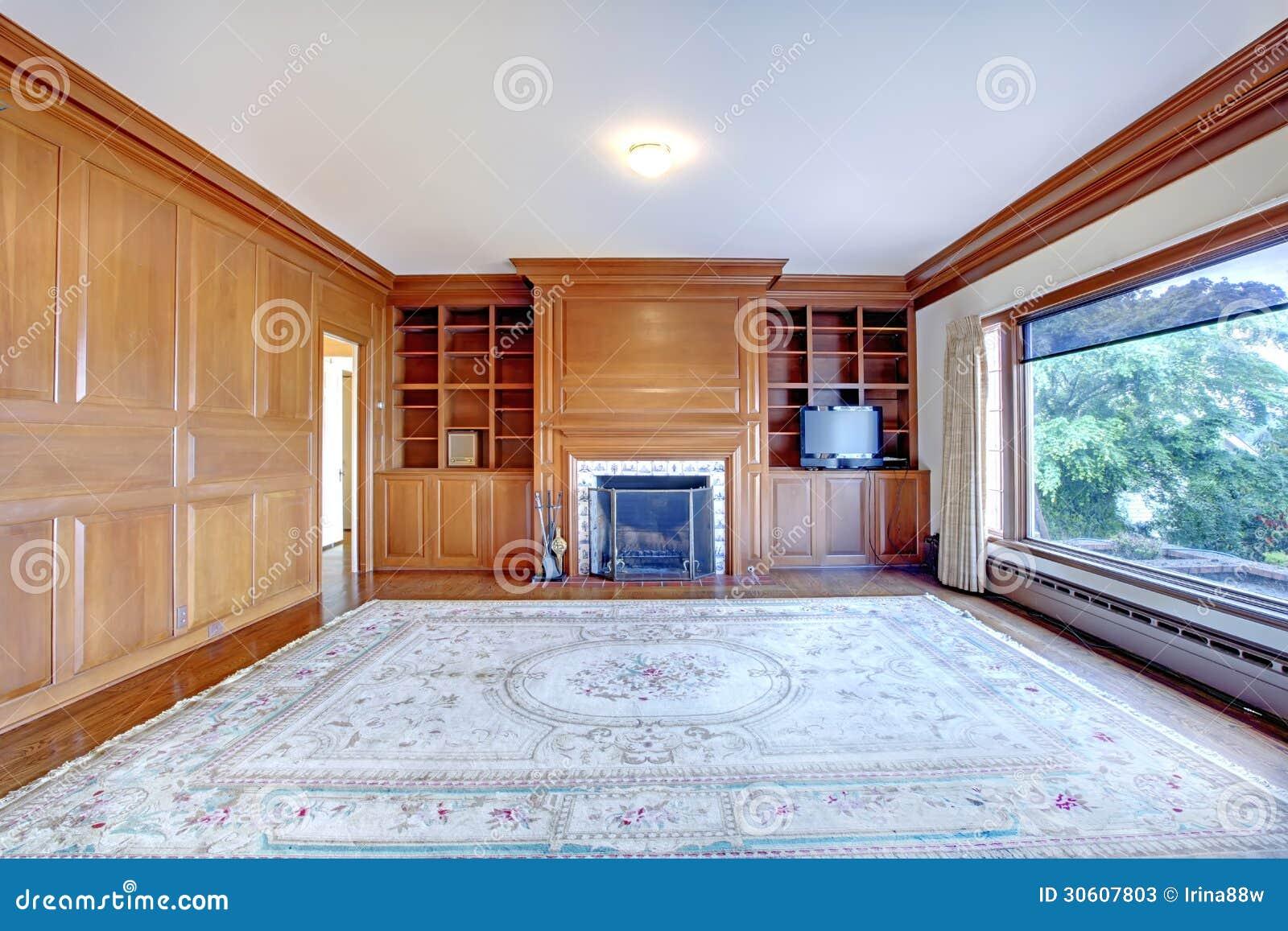 Huisbureau met open haard en houten muren in huis van luxe het oude ameican stock afbeelding for Huis open haard mantel