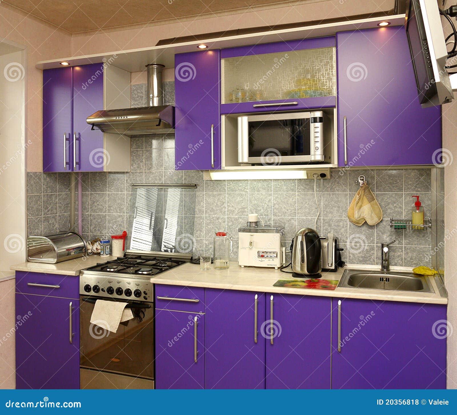 Huishoudapparaten in moderne keuken royalty vrije stock foto's ...