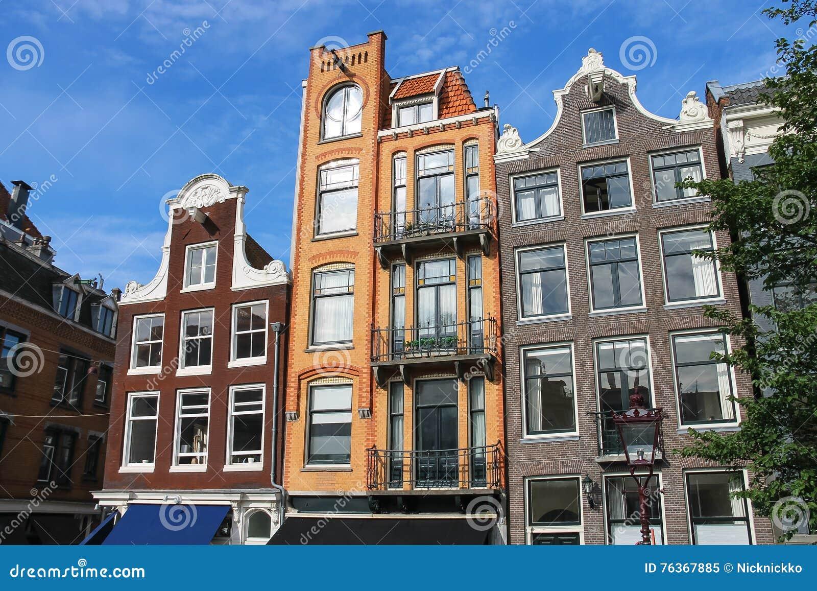 Stijl Van Amsterdam.Huizen In De Klassieke Nederlandse Stijl In Amsterdam