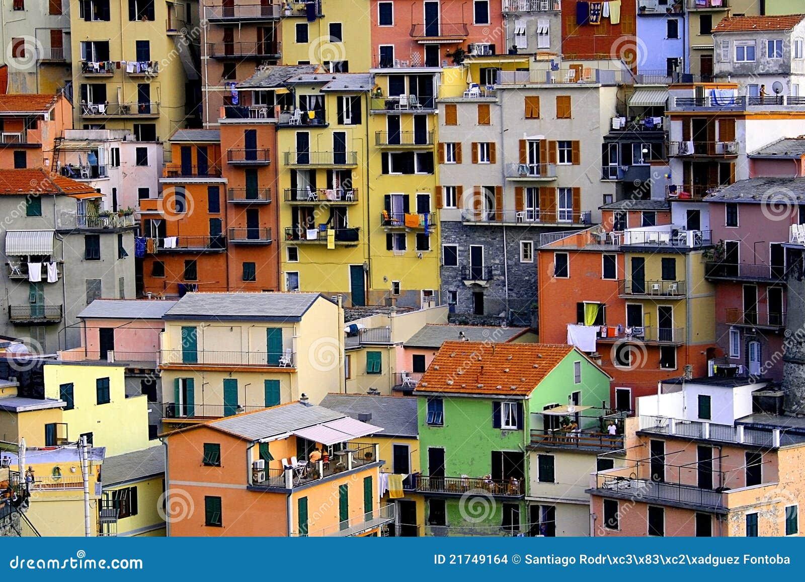 Huizen In Italie : Huizen in manarola cinque terre stock foto afbeelding bestaande