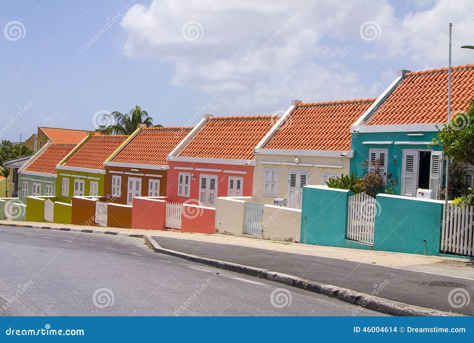 Huizen willemstad curacao stock foto afbeelding bestaande uit kleuren 46004614 - Foto huizen ...