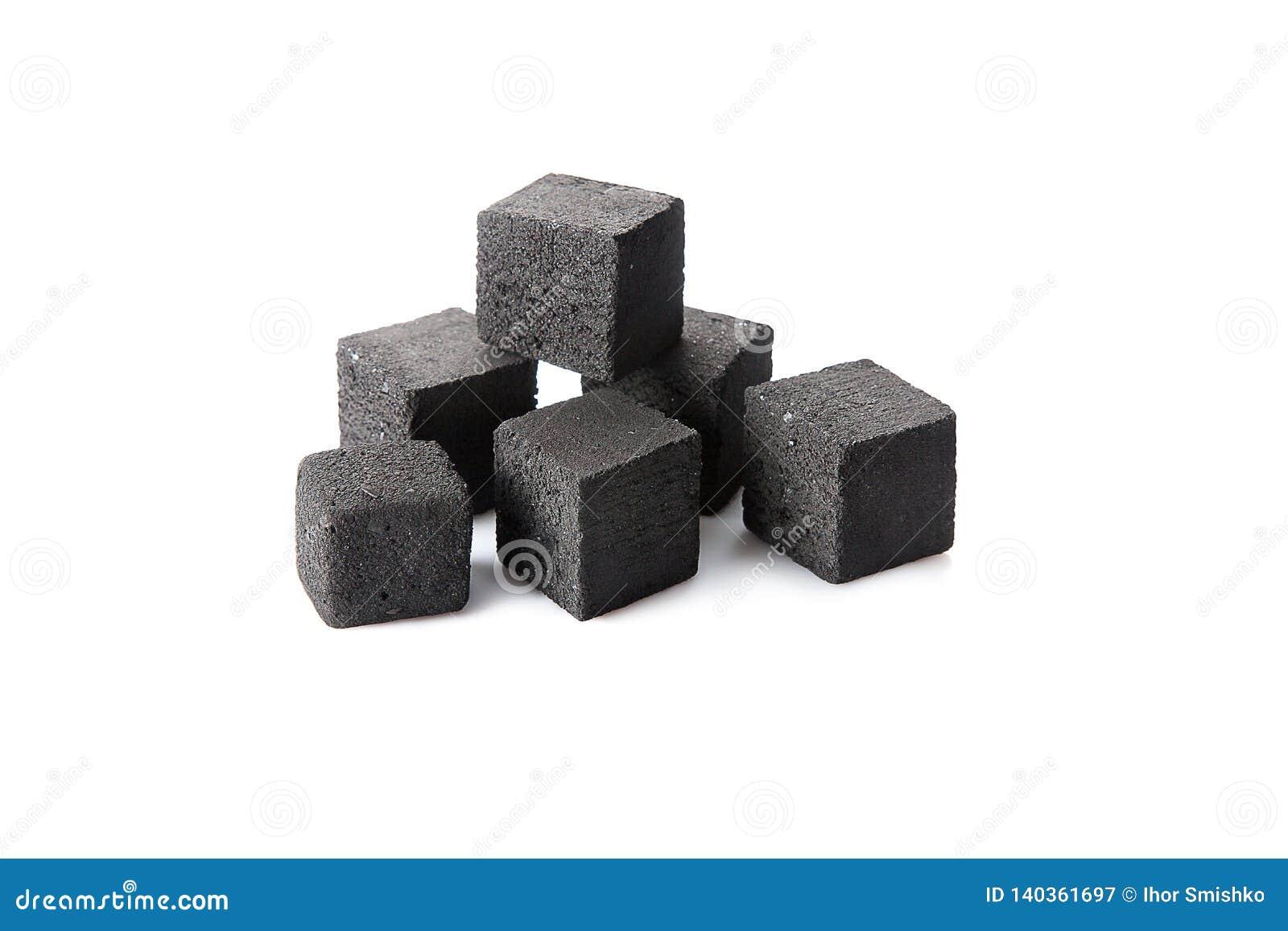 Hukathema Nahe hohe Ansicht über Kohle für die Huka lokalisiert auf weißem Hintergrund
