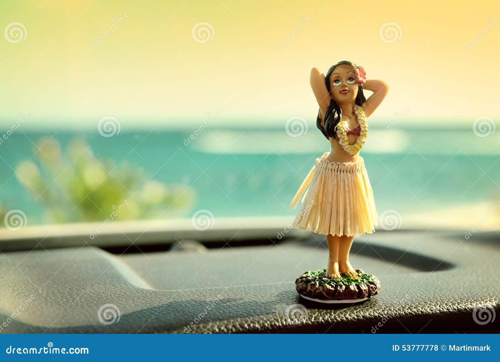 Hula dancer doll on Hawaii car road trip