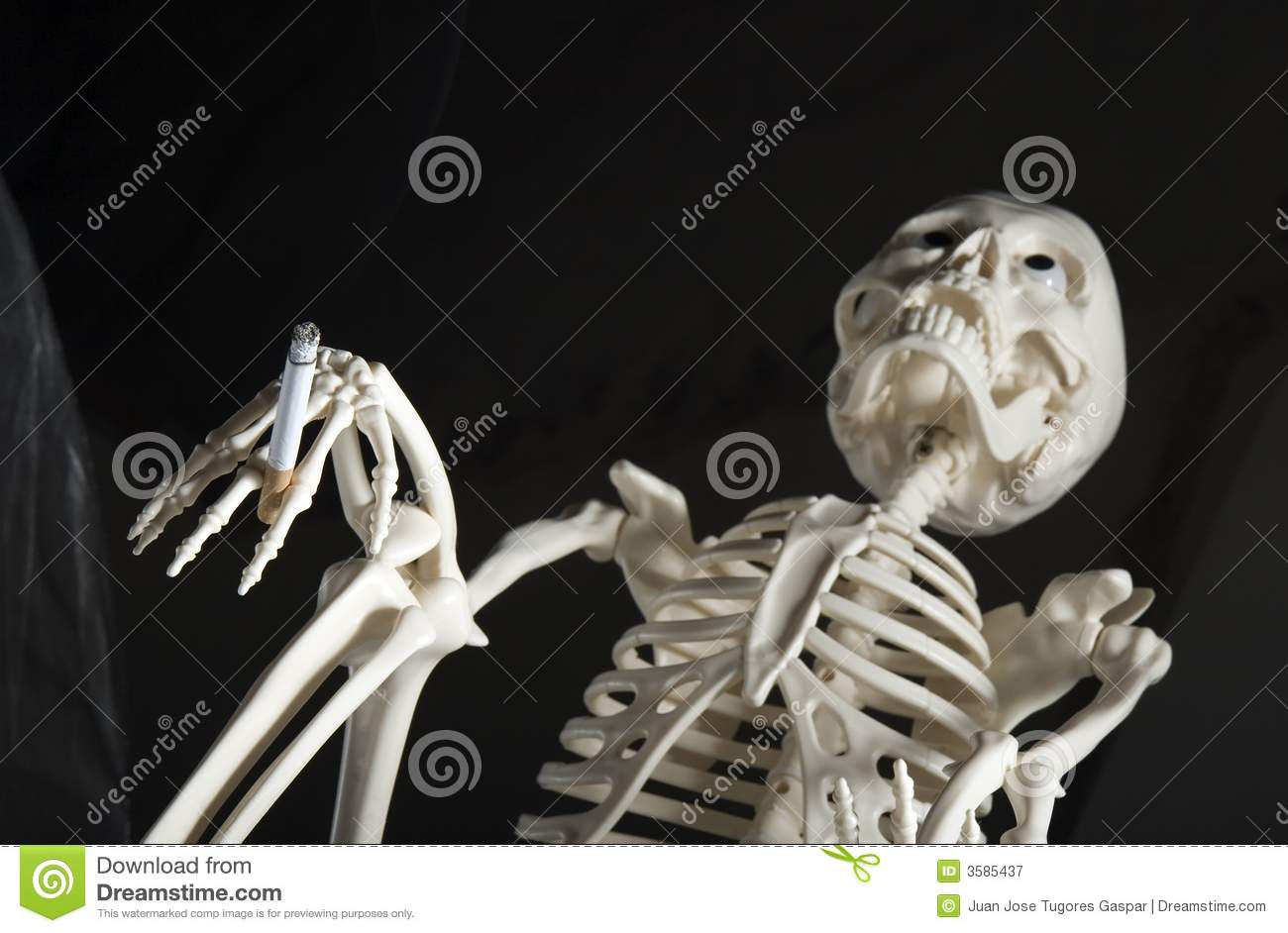 Human skeleton with cigarette