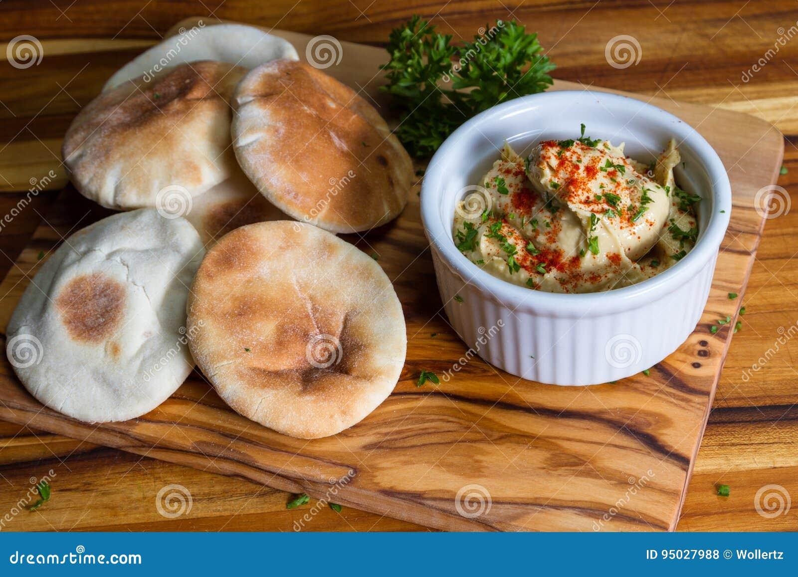 Hummus överträffade med paprika