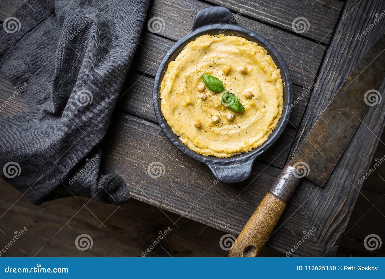 Hummus cremoso casalingo sano