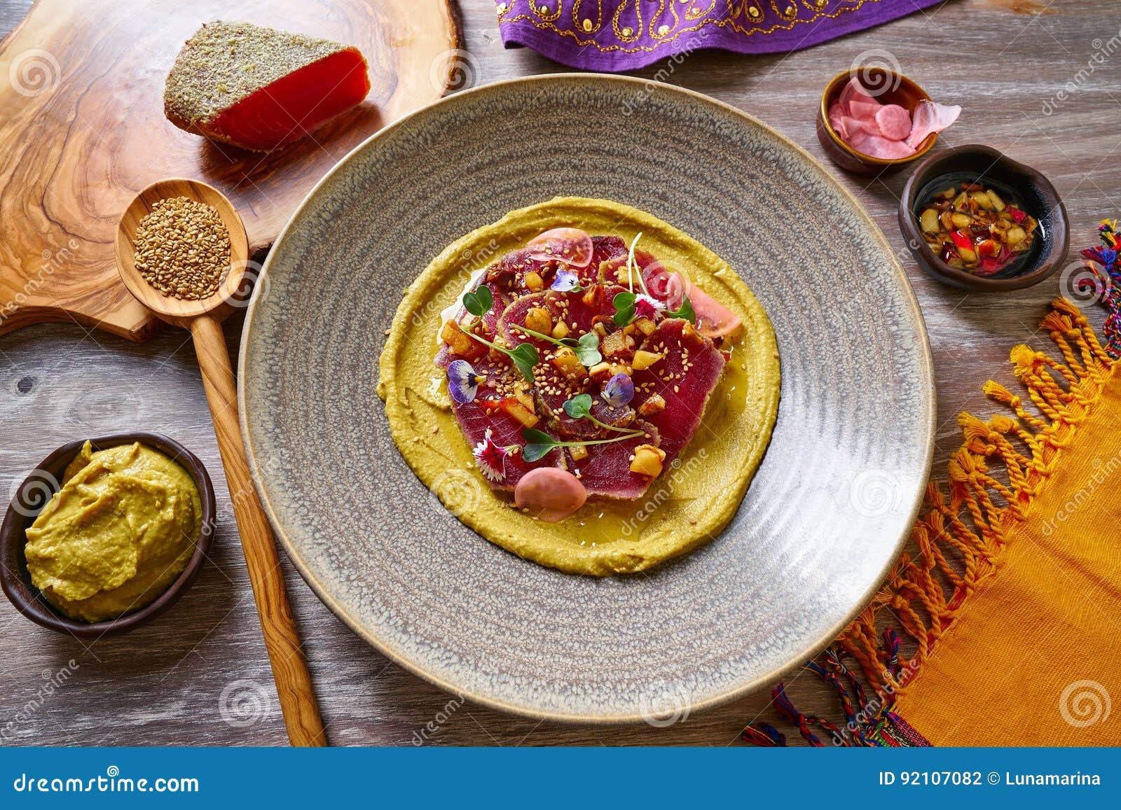 Humus Con La Ricetta Marinata Del Marocchino Del Tonno ...