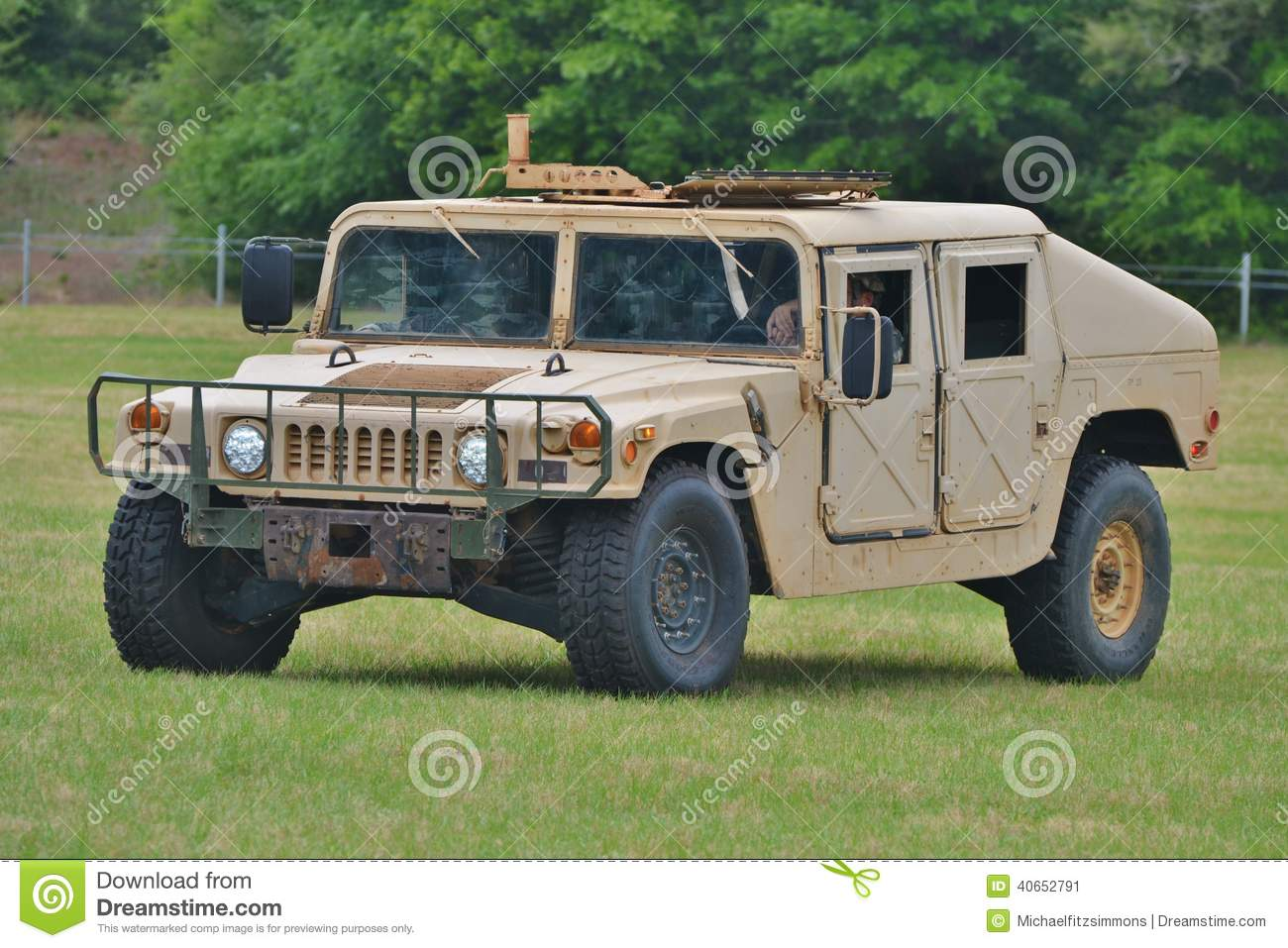 humvee militaire hummer hmmwv image stock image du transport camion 40652791. Black Bedroom Furniture Sets. Home Design Ideas