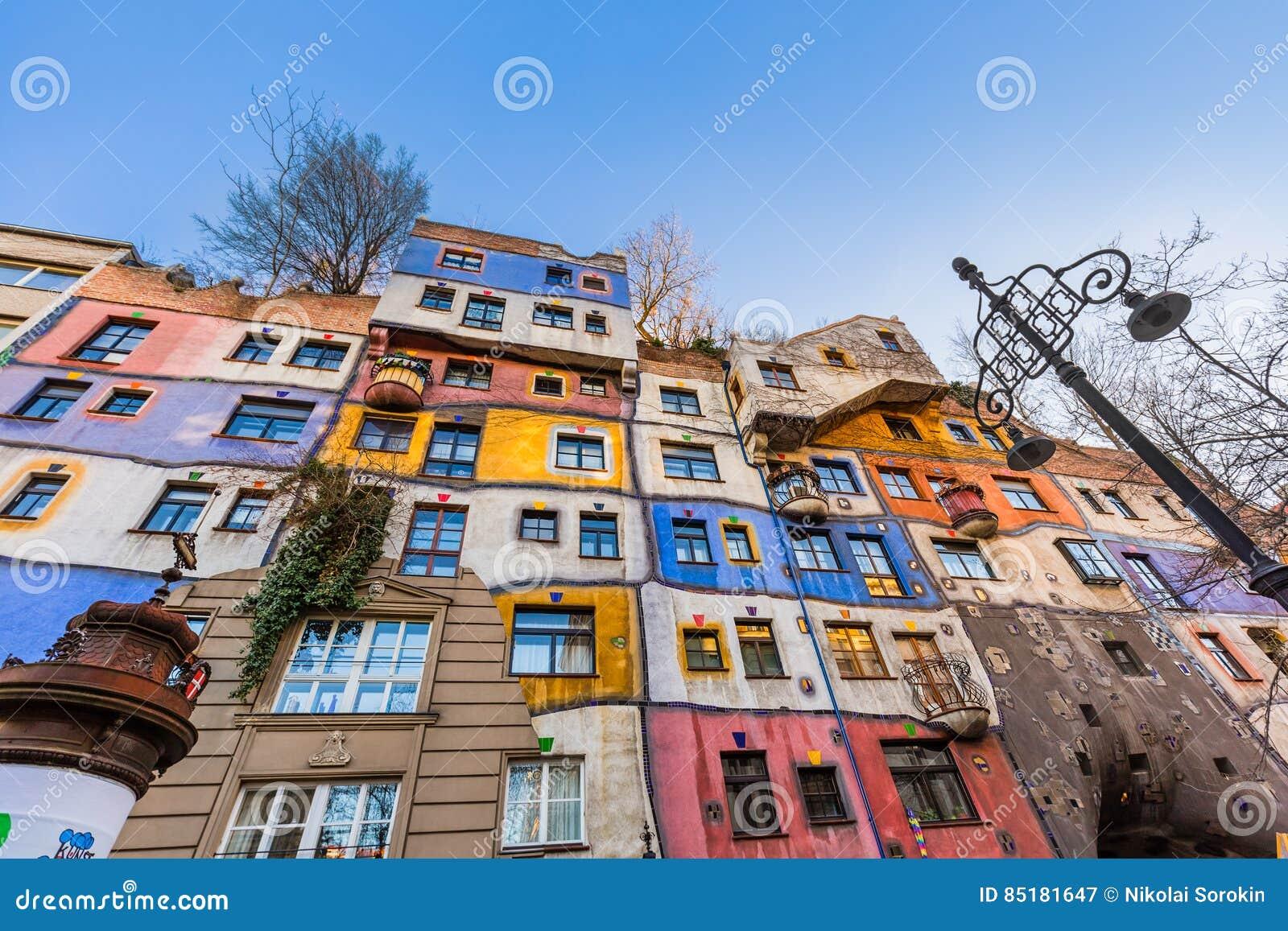 Hundertwasserhuis in wenen oostenrijk stock afbeelding afbeelding
