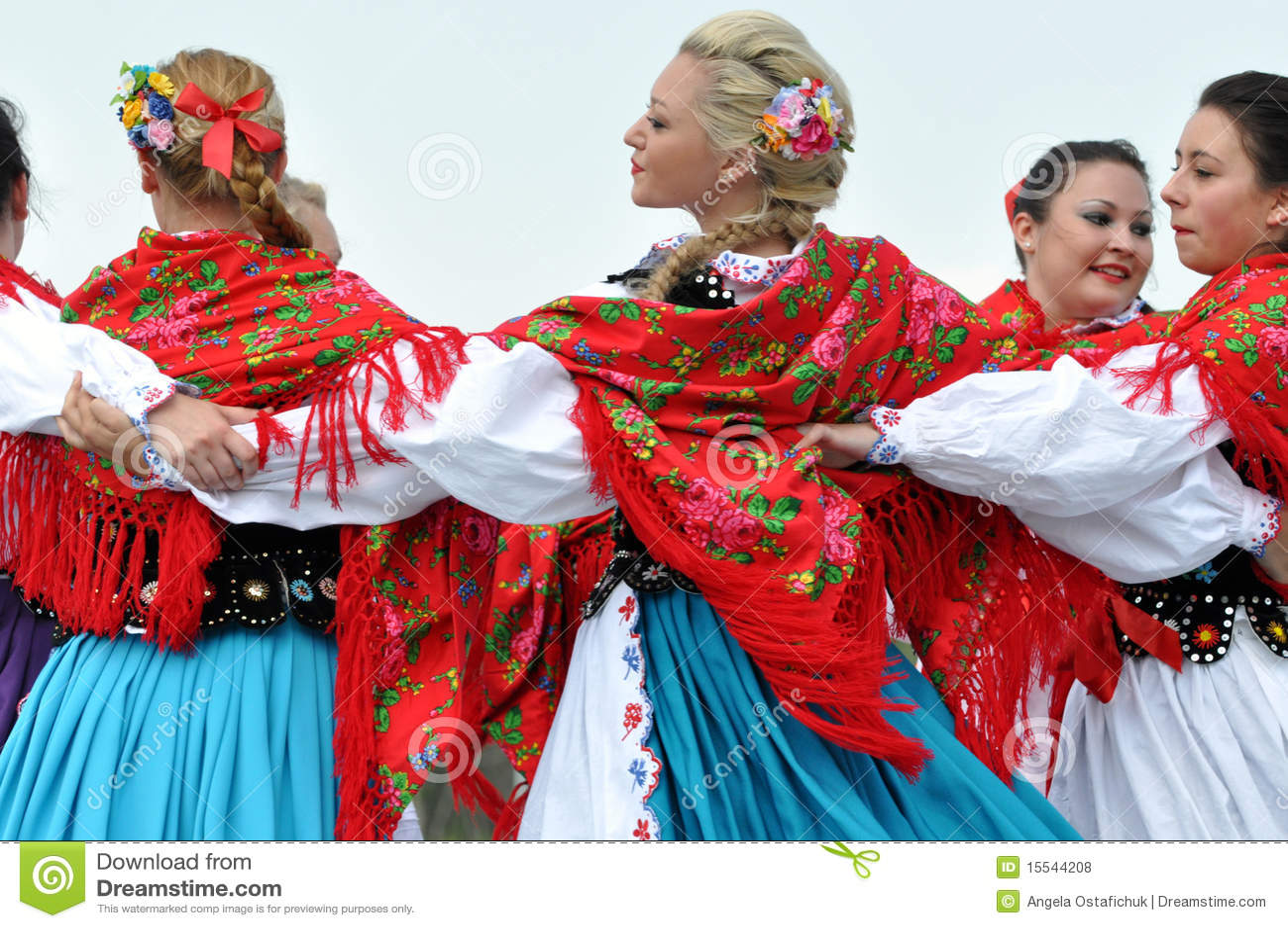 Hungarian Girls Dancing At Heritage Days Editorial Stock