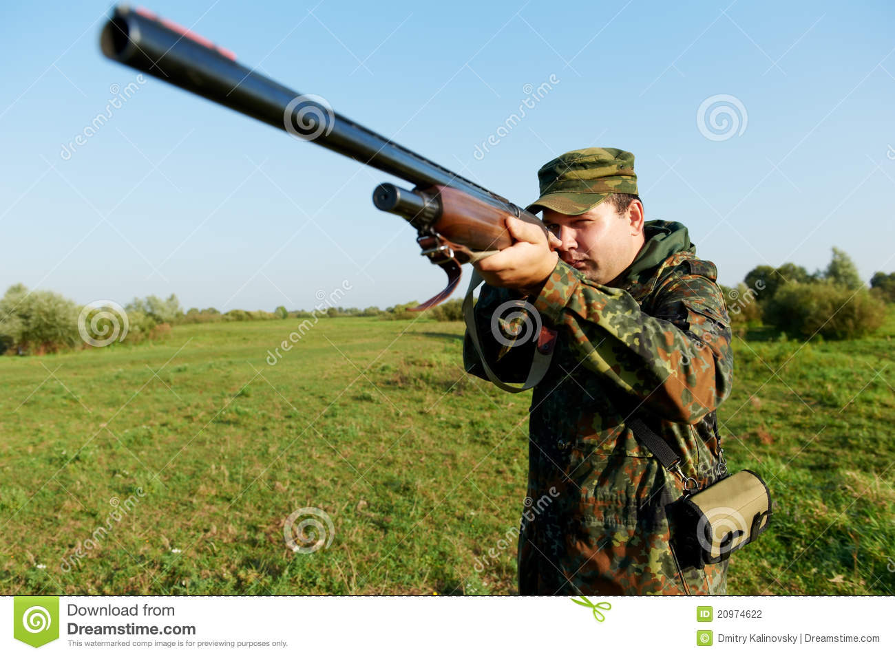 Hunter With Rifle Gun Stock Photography - Image: 20974622