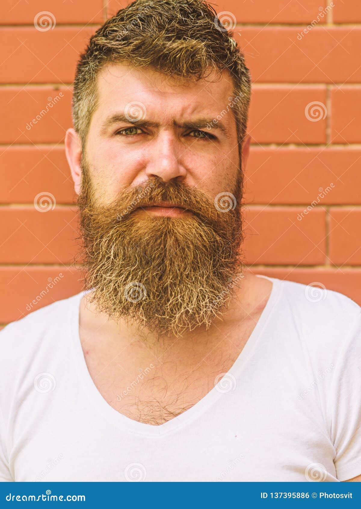Hur man växer det stora skägget Att ansa för skägg har aldrig varit så lätt Skäggomsorgtrick ska hålla ditt se för ansikts- hår