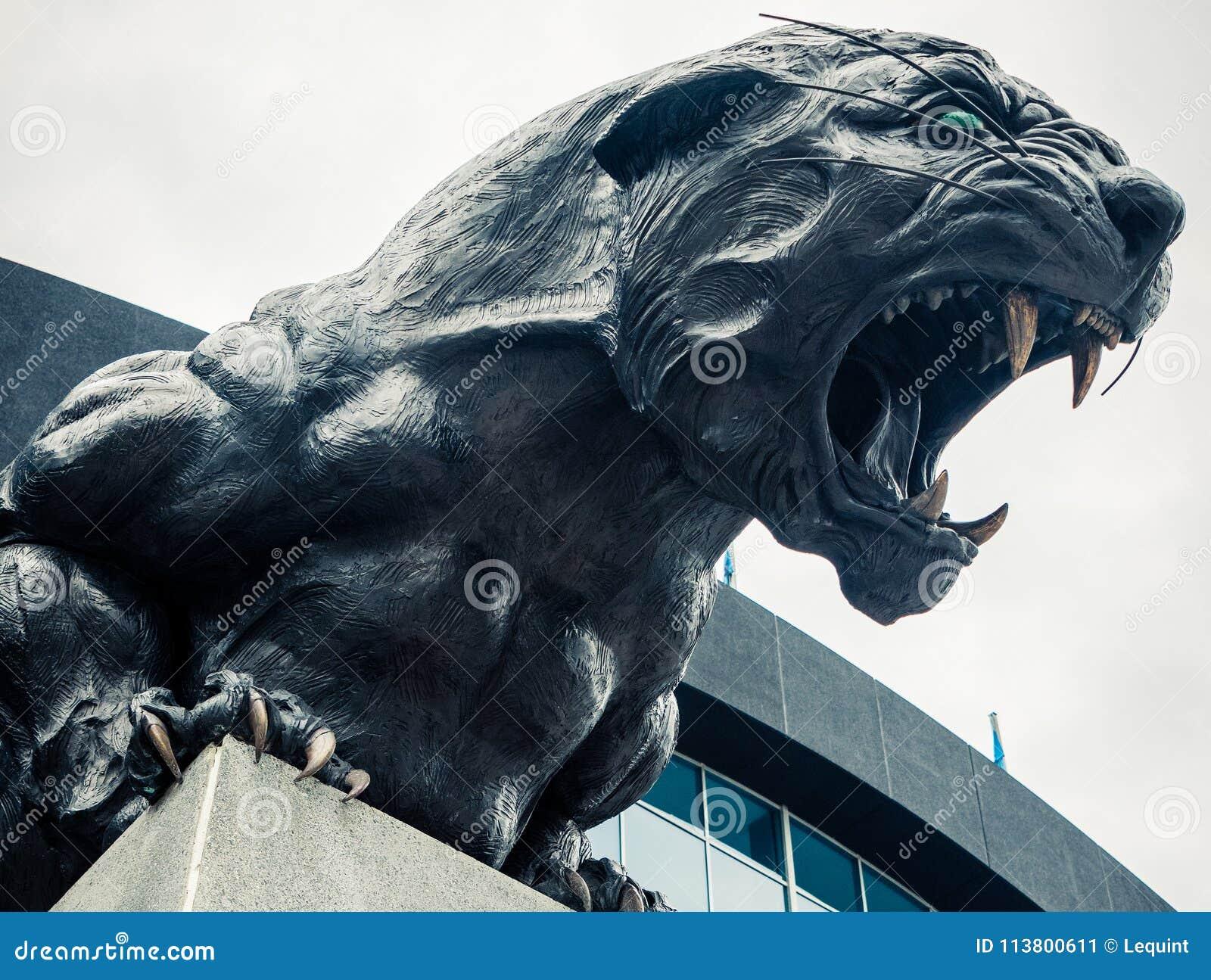Hurlement du nord de statue de panthère du football de Carolina Panthers féroce