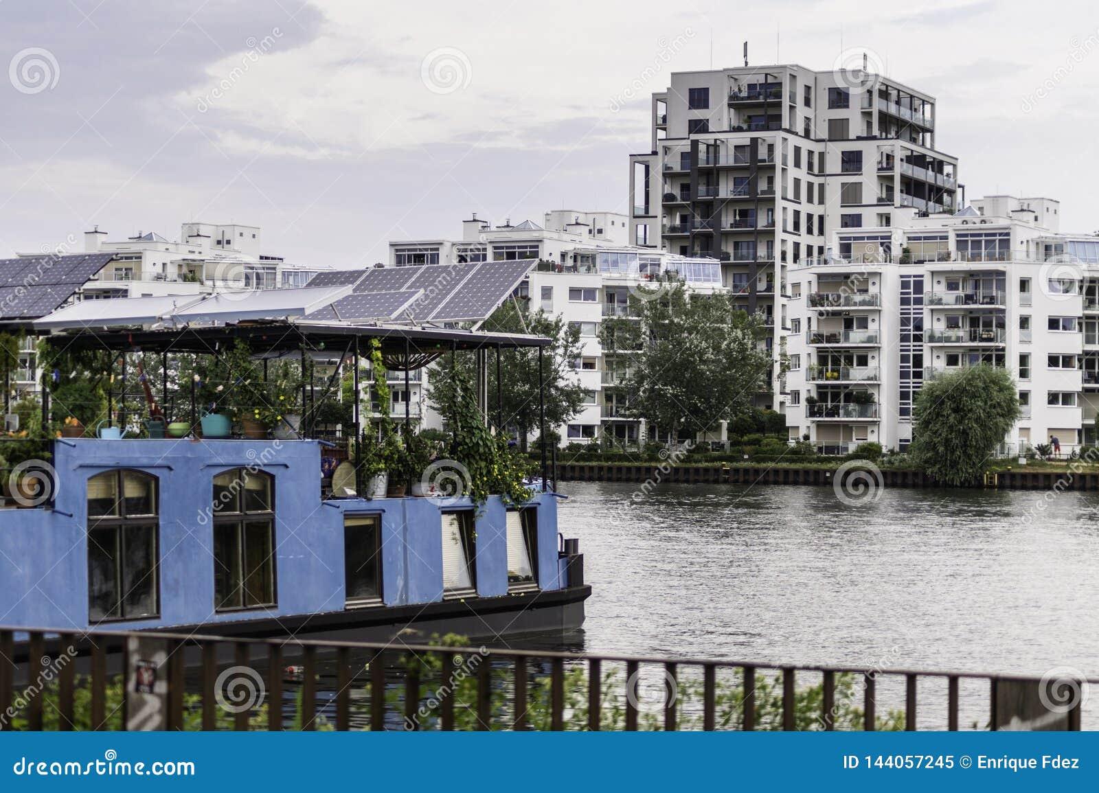 Hus från festfloden i Berlin