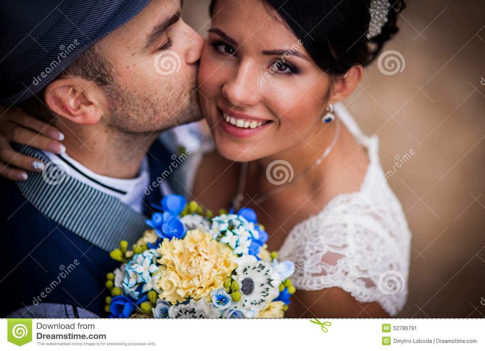 Hut Hochzeit Kuss Stockbild Bild Von Kleid Inneres 52786791