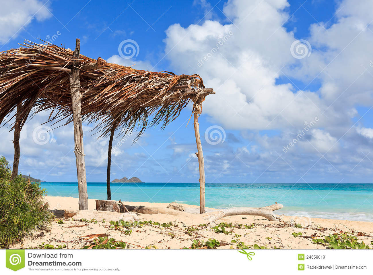 Hut On A Tropical Beach Royalty Free Stock Images
