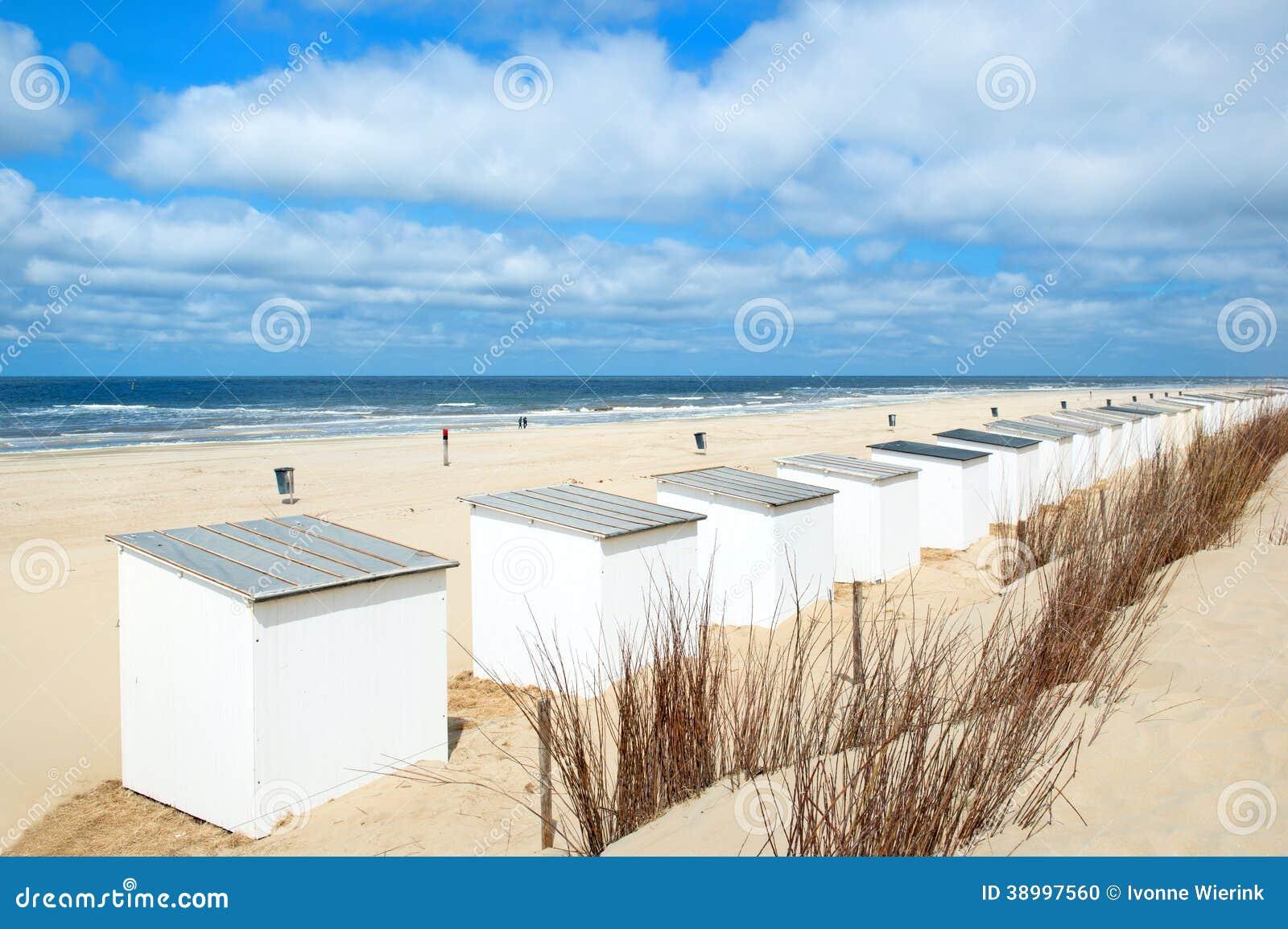 Huttes bleues de plage chez Texel