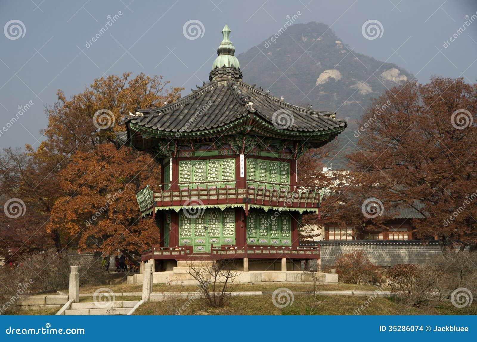 Hyangwonjeong на дворце Сеуле Корее Gyeongbokgung