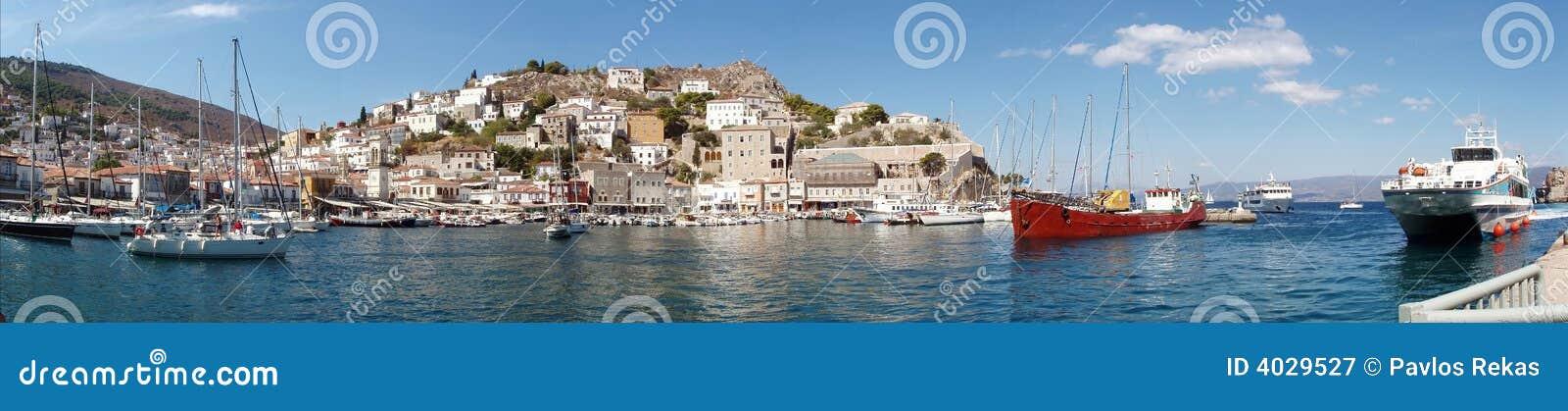 Hydra-Insel, Griechenland - Ansicht des Kanals und der Stadt