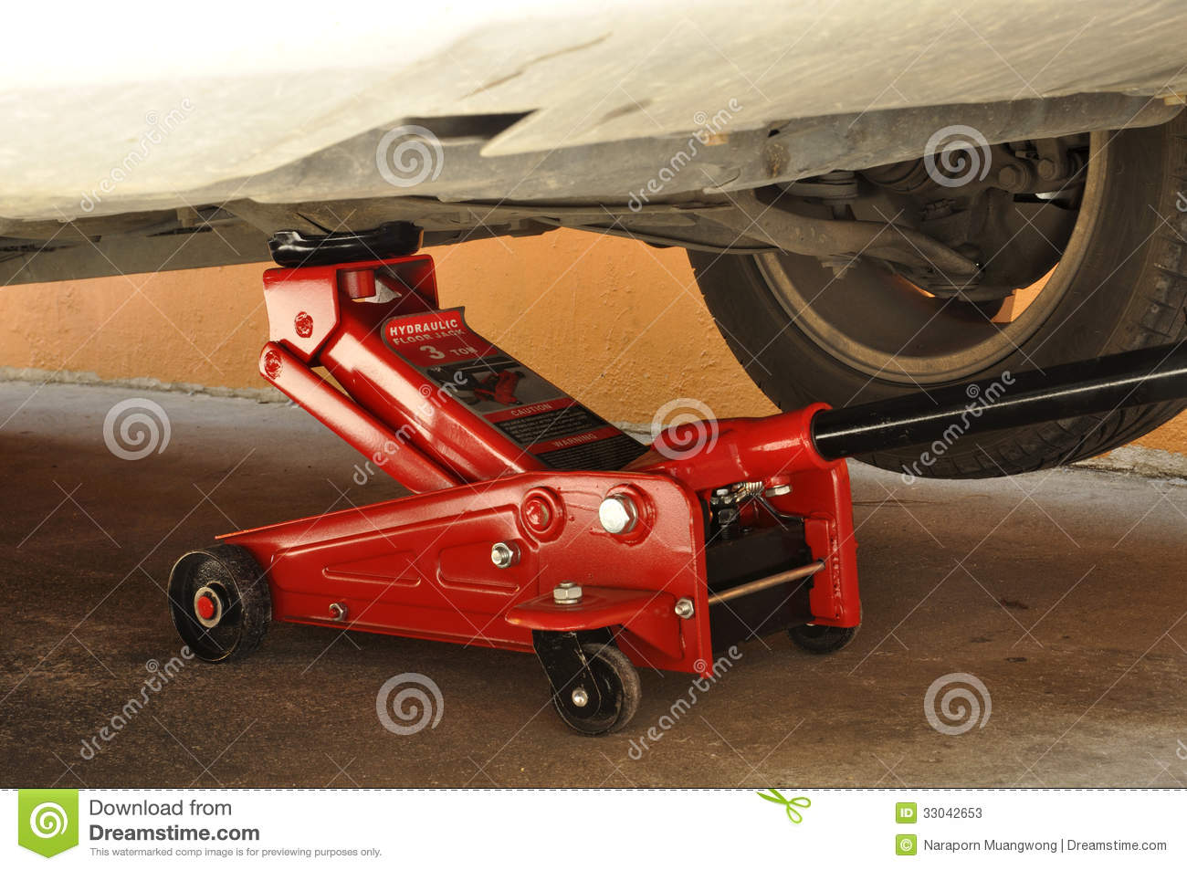 Hydraulic Car Jack Stock Photos - Image: 33042653