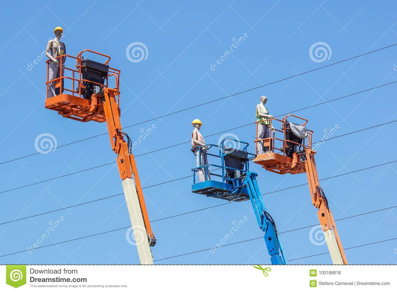 Hydraulic Mobile Construction Platform Elevated Towards A