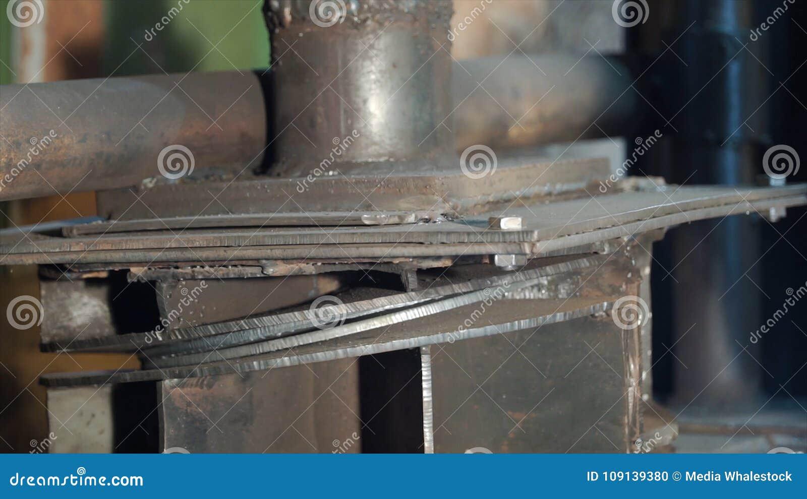 Hydraulic Press On Manufacture  Clip  Hydraulic Press