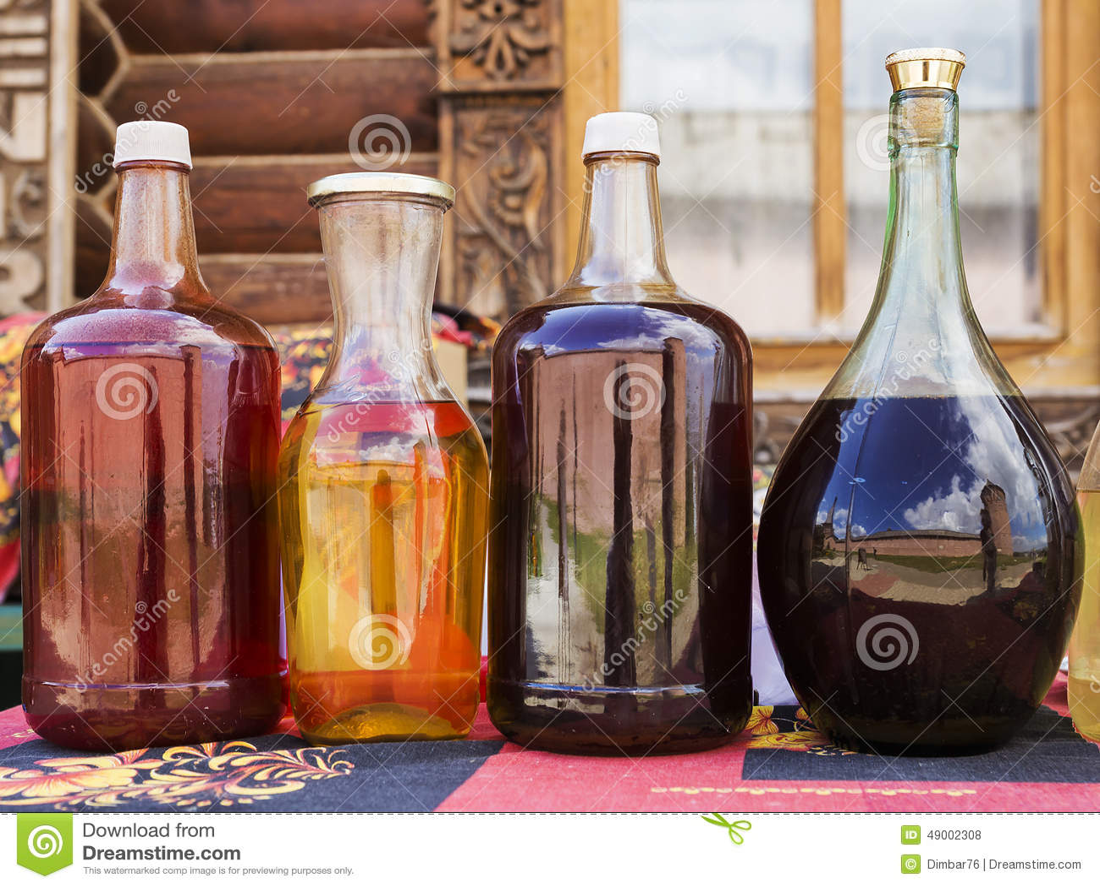 Hydromel russe de boisson alcoolis e avec la r flexion for Cocktail russe blanc
