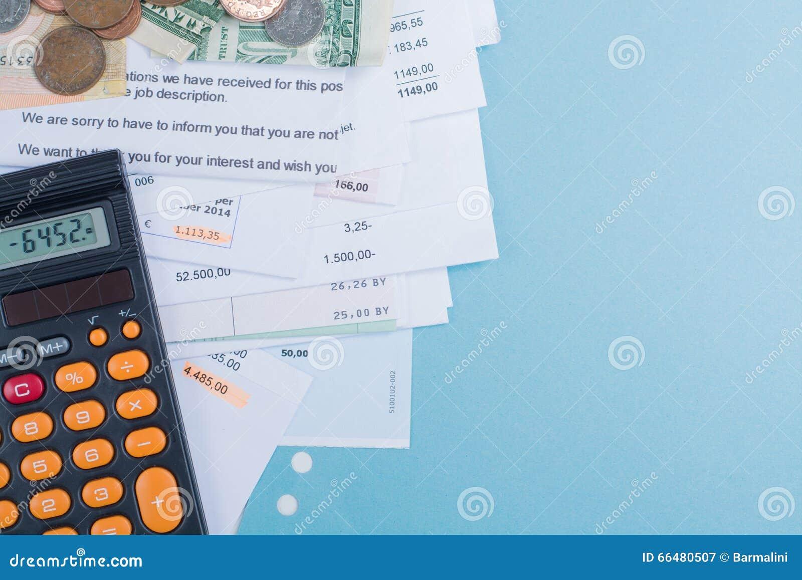 Hypothek Und Stromrechnungen Münzen Und Banknoten Taschenrechner