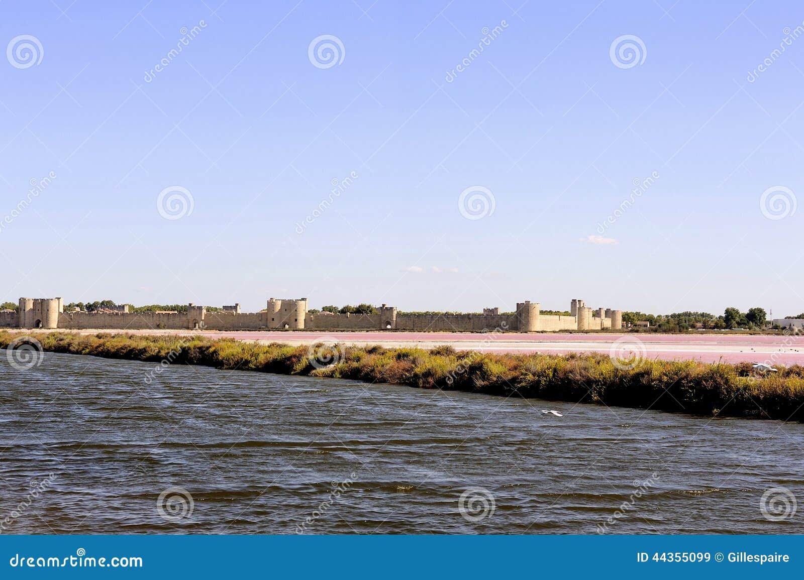 I bastioni della città murata di Aigues-Mortes