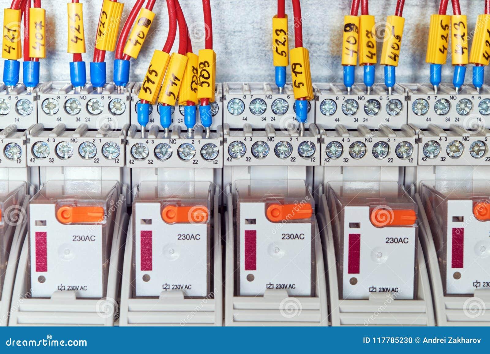 Schema Elettrico Di Un Relè : Valvole di zona motore di ricambio con comando a tre contatti