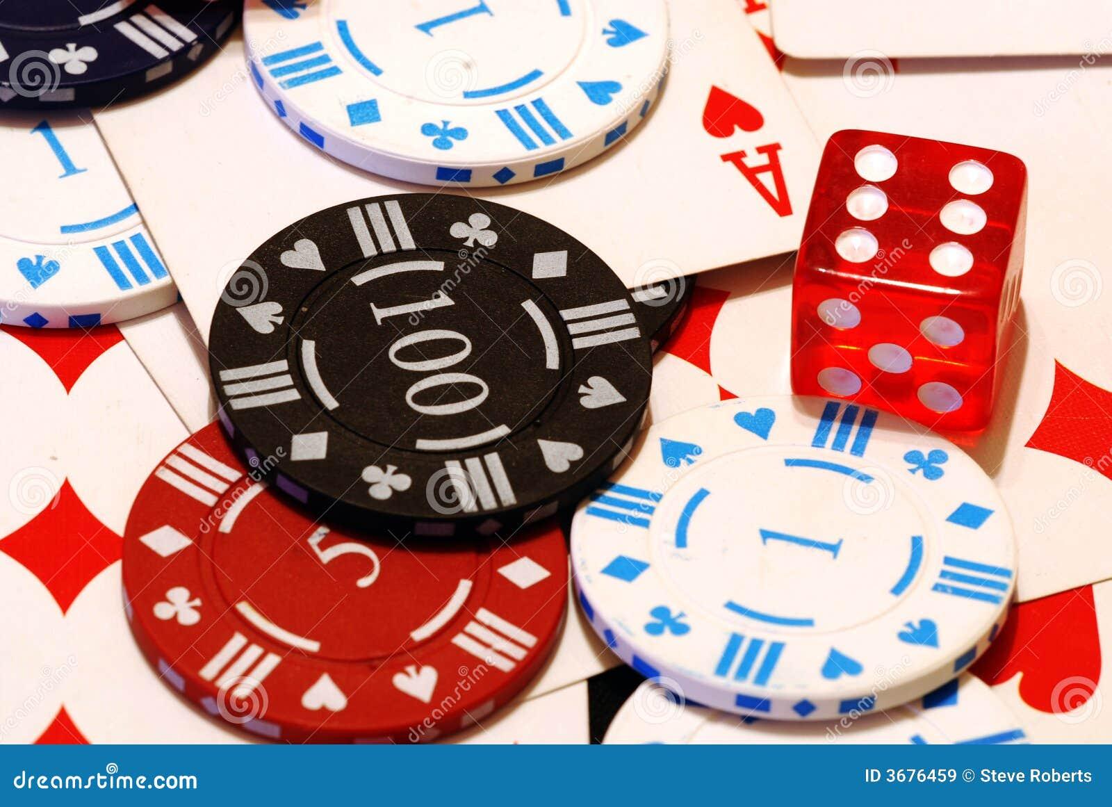 Download I Chip Di Mazza, Schede & Muoiono Immagine Stock - Immagine di chip, chips: 3676459