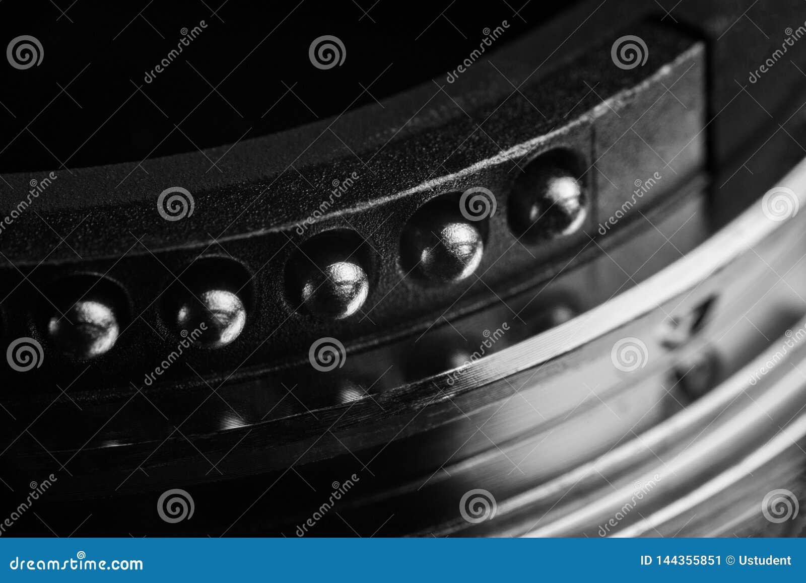 I contatti del supporto della lente