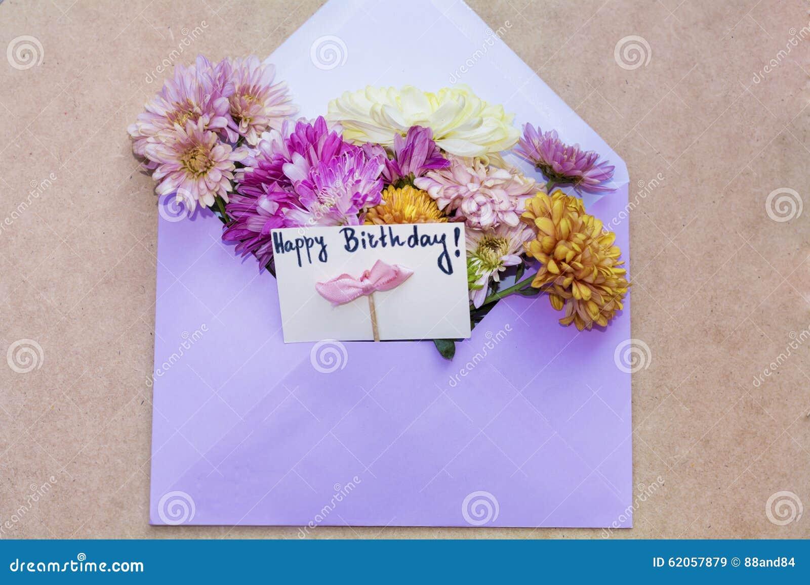 Popolare Cartolina d auguri di buon compleanno con i fiori foto stock  PW17