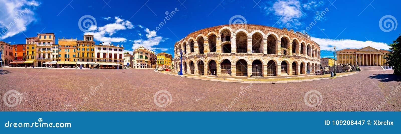 I Di romani Verona dell arena dell anfiteatro ed il reggiseno della piazza quadrano il panoram
