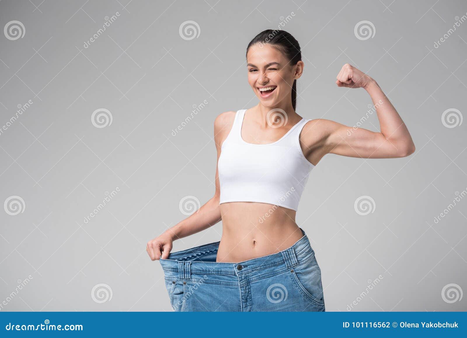 Sexilicious skinny teen showig her