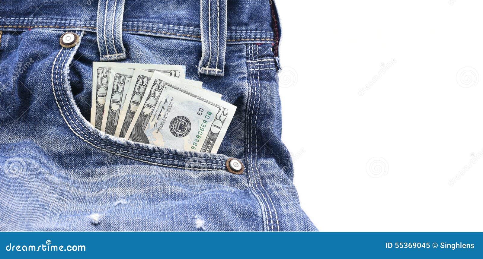 I dollari americani o i soldi in jeans blu del denim intascano, concetto sui soldi dei guadagni, soldi di risparmio